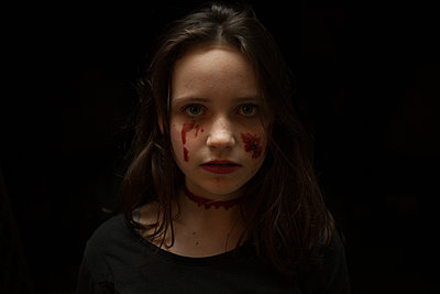 Halloween girl, Portrait - p1402m1497373 by Jerome Paressant