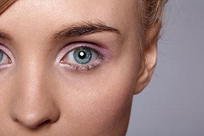 Eyeball - p943m817665 by Do-It-Studios