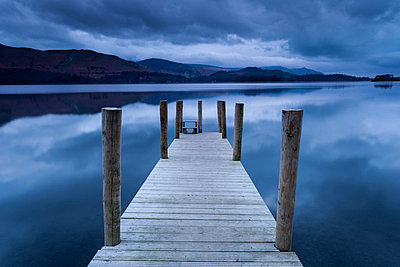 Dawn at Ashness Landing jetty on Derwentwater, Keswick, Lake District National Park, Cumbria, England, United Kingdom, Europe - p871m711249 by Ian Egner