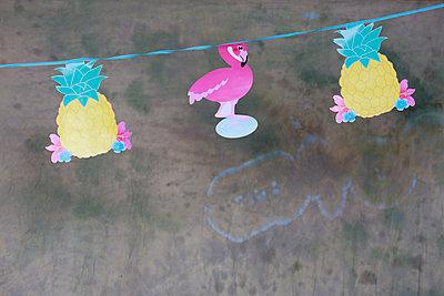 Ananasgirlande - p606m1573548 von Iris Friedrich