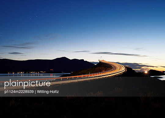 Norway, Atlantic road - p1124m2228939 by Willing-Holtz
