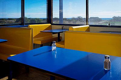 Empty cafe - p1125m943656 by jonlove
