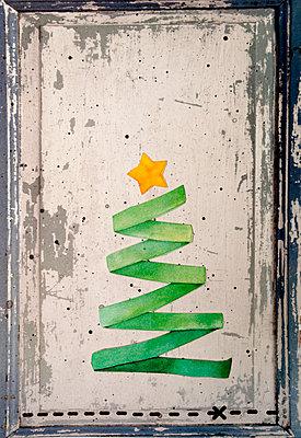 p451m2134447 by Anja Weber-Decker