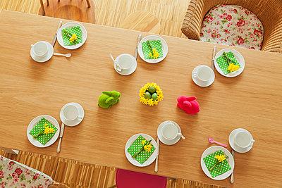 Laid Easter table - p300m1581211 von Gaby Wojciech
