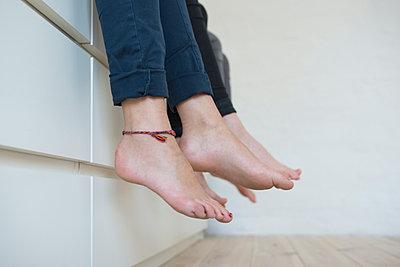 Feet - p427m1049967 by Ralf Mohr