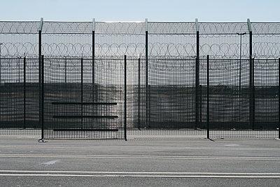 Grenzzaun in Dunkerque - p347m2038744 von Georg Kühn