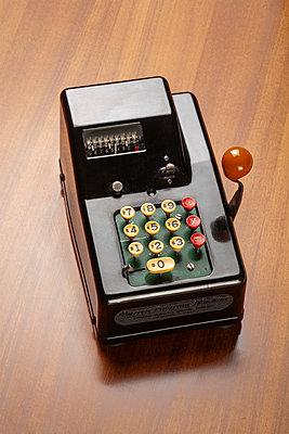 Alte Rechenmaschine - p550m2273280 von Thomas Franz