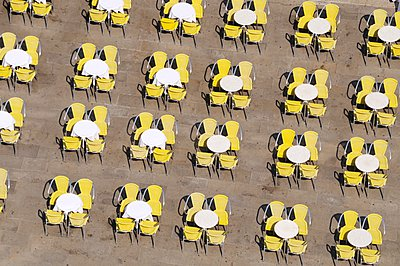Tables and chairs, Venice - p878m1071938 by Riou