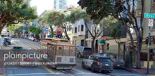 Cable Car in San Francisco - p1242m1585061 von teijo kurkinen
