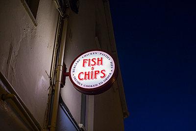 Fish and Chips - p1057m1003139 von Stephen Shepherd