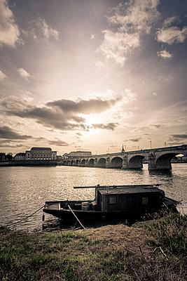 Gabare and Bridge - p1402m2064500 by Jerome Paressant