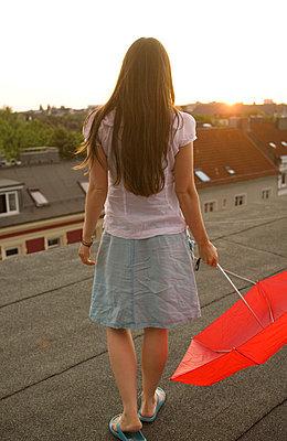 Sonnenuntergang betrachten - p4540399 von Lubitz + Dorner