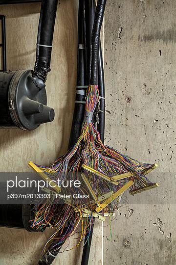 Kabel - p397m2013393 von Peter Glass