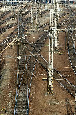 Blick auf Bahngleise - p3880793 von L.B.Jeffries