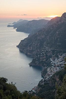 Sunset an der Amalfiküste - p1079m1552882 von Ulrich Mertens