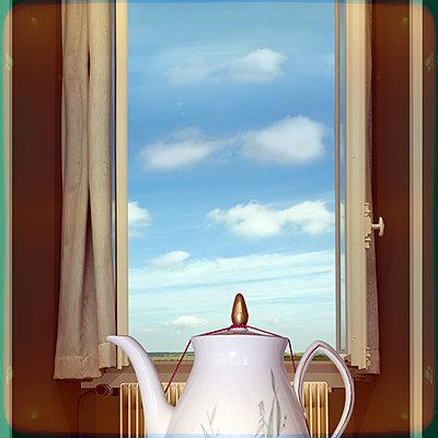 Alte Kaffeekanne - p230m2152642 von Peter Franck