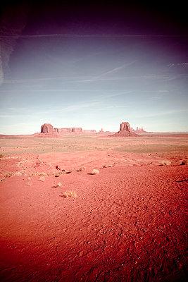 Im Monument Valley - p4450606 von Marie Docher