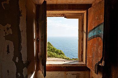 Fenster zum Meer - p1272m1154347 von Steffen Scheyhing