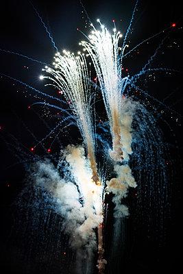 Flammende Sterne - p335m1087288 von Andreas Körner