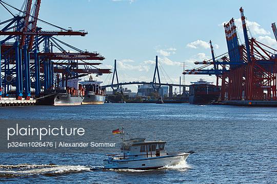 Bubendey-Ufer, Hamburg - p324m1026476 by Alexander Sommer