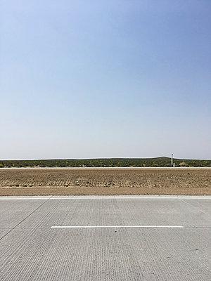 Uzbekistan, Road - p1189m2263829 by Adnan Arnaout