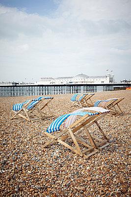 Brighton - p464m852461 by Elektrons 08