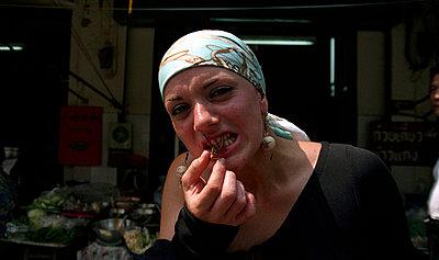 Ein Insekt verspeisen - p0450067 von Jasmin Sander