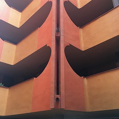 Treppenhaus, Geländer, Barrio Gaudi - p1401m2253755 von Jens Goldbeck