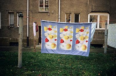 Blumige Bettwäsche - p1080304 von Thomas Kummerow