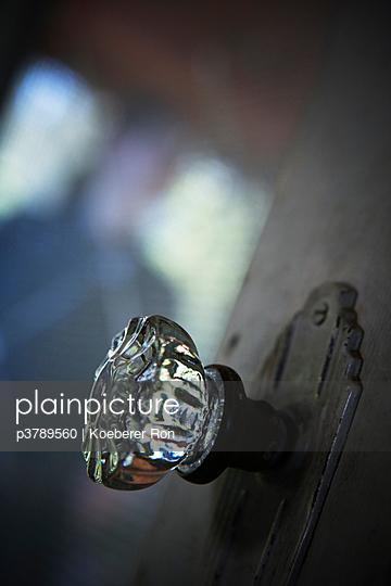 Glass door knob - p3789560 by Koeberer Ron