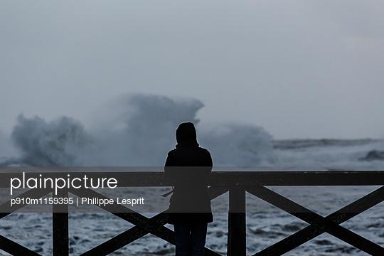 Blick aufs Meer - p910m1159395 von Philippe Lesprit