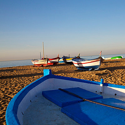 Boote am Strand - p6060628 von Iris Friedrich