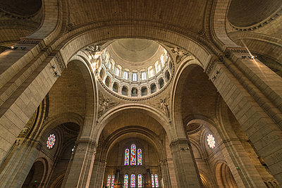 The dome of the Sacre Coeur church in Montmarte   - p1332m1502800 by Tamboly