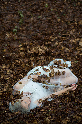 Dead woman - p992m945774 by Carmen Spitznagel