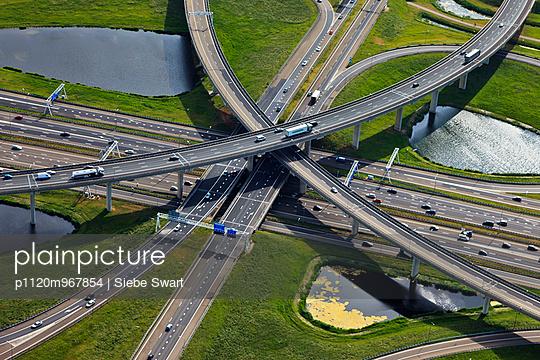 Motorway junction - p1120m967854 by Siebe Swart
