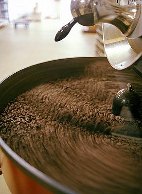 Coffee beans - p1197m1060163 by Stefan Bungert