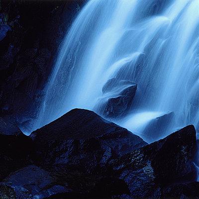 Waterfall - p8130032 by B.Jaubert