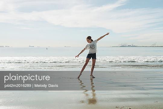 p442m2016289 von Melody Davis