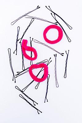 Haargummi und Haarklammern - p1149m1590669 von Yvonne Röder