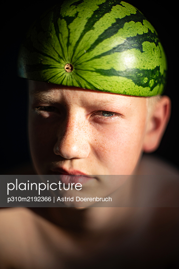 Melon hat - p310m2192366 by Astrid Doerenbruch