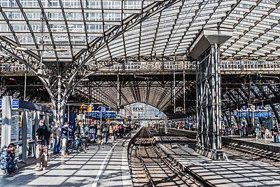 Hauptbahnhof Köln - p401m1590159 von Frank Baquet