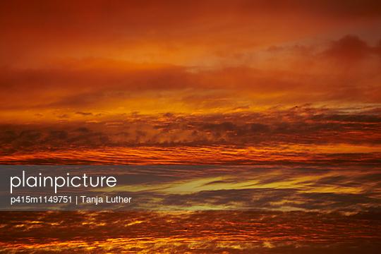 Sonnenuntergang - p415m1149751 von Tanja Luther
