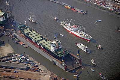 Hamburg Hafengeburtstag - p1016m741964 von Jochen Knobloch