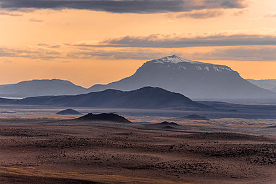 Life on Mars - p1487m2008525 by Ludovic Mornand