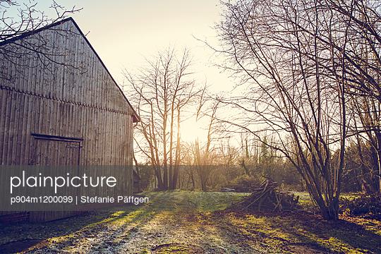 Scheune - p904m1200099 von Stefanie Päffgen