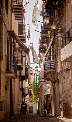 Narrow alley in Palermo - p382m2186081 by Anna Matzen
