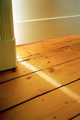 Sunbeam through door opening - p3881637 by Ulrike Leyens