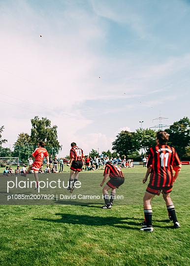 Amateur football - p1085m2007822 by David Carreno Hansen