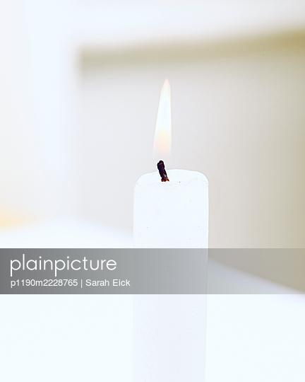 Weiße Kerze - p1190m2228765 von Sarah Eick