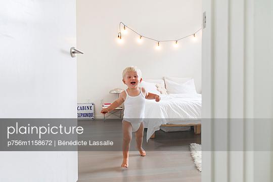 Fröhlich - p756m1158672 von Bénédicte Lassalle